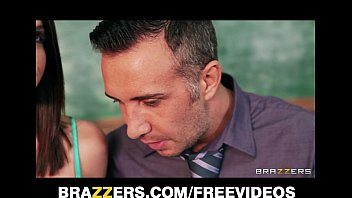 Big Tits and Big Ass Stepsis Brooklyn Chase Lets Her Horny Stepbro Have it