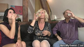 Guy finds his old parents and girlfriend threesome orgy