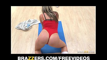 18 Fresh College Sweetheart Rides and Squirts on Her Tutor's Dick