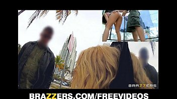 Alexis Monroe gets fucked in the kitchen - Brazzers