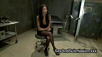 Yummy pussy Pinay Babe fucked while standing